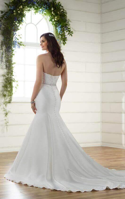 Essense of Australia - Essense Of Australia Trumpet Wedding Gown ...