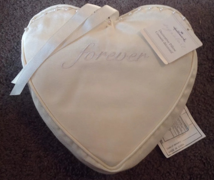 Heart Shaped Ivory Ring Beare Pillow
