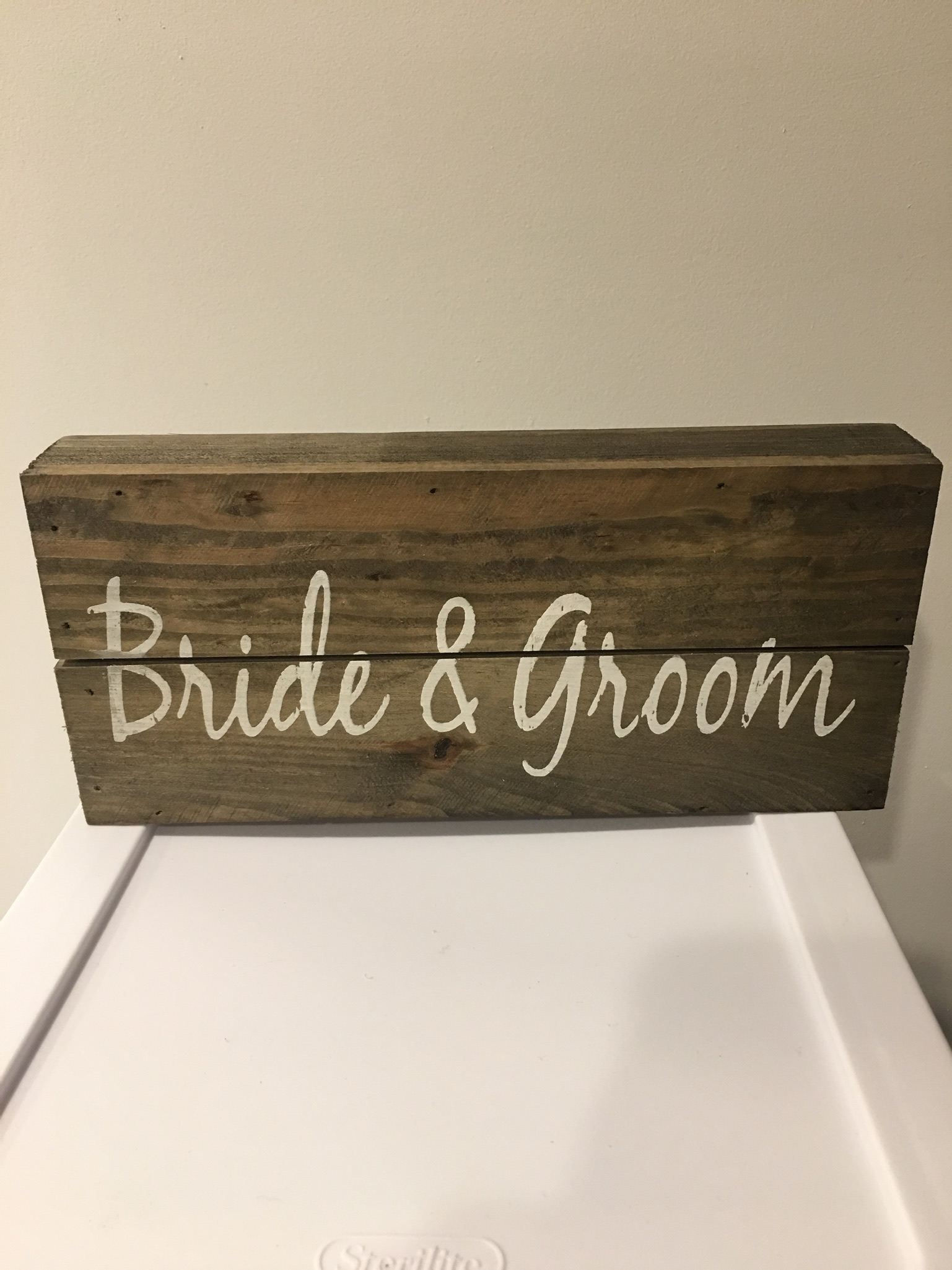 Rustic Bride & Groom Sign
