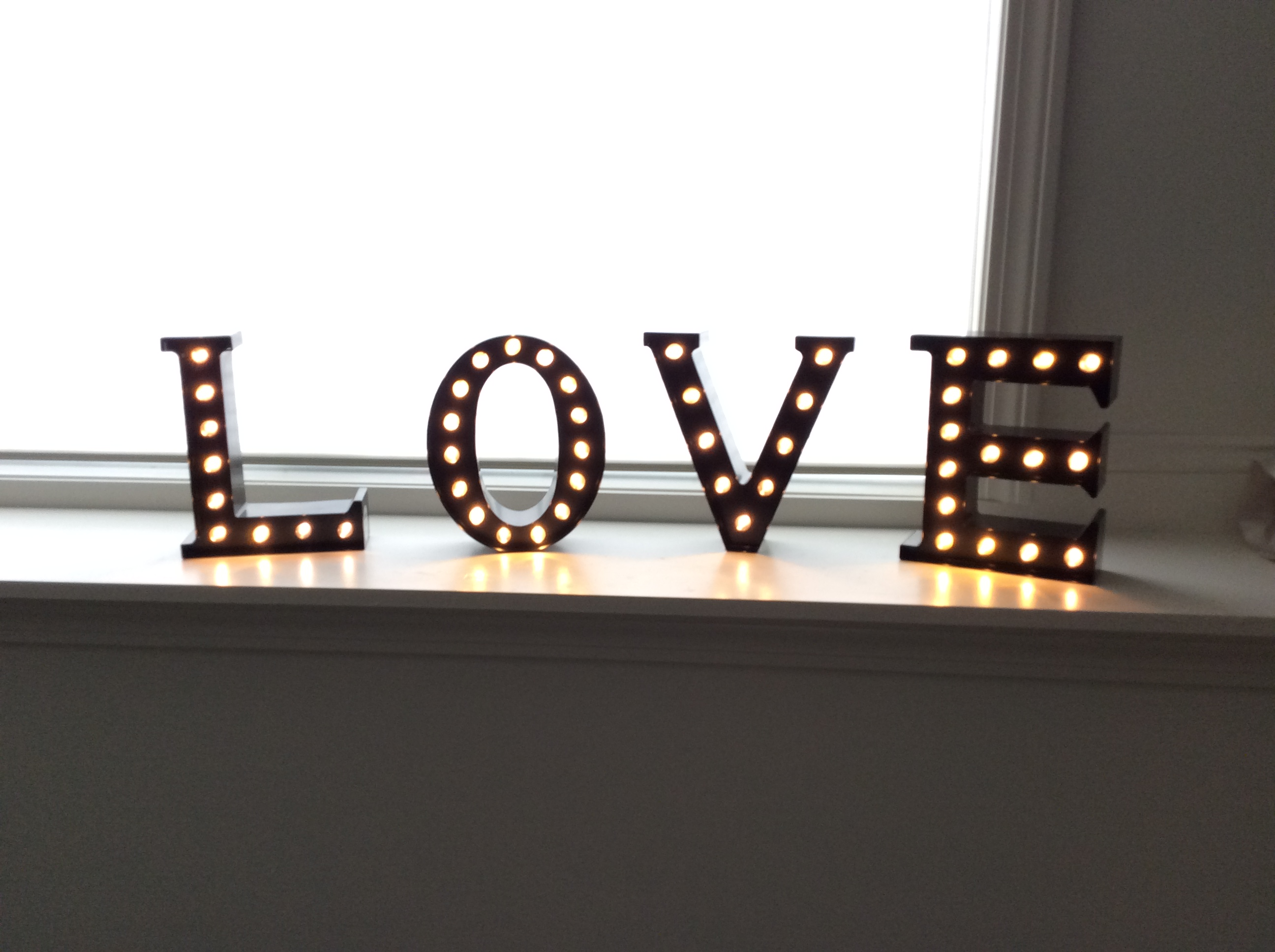 L.o.v.e Marquee Letters (light Up)