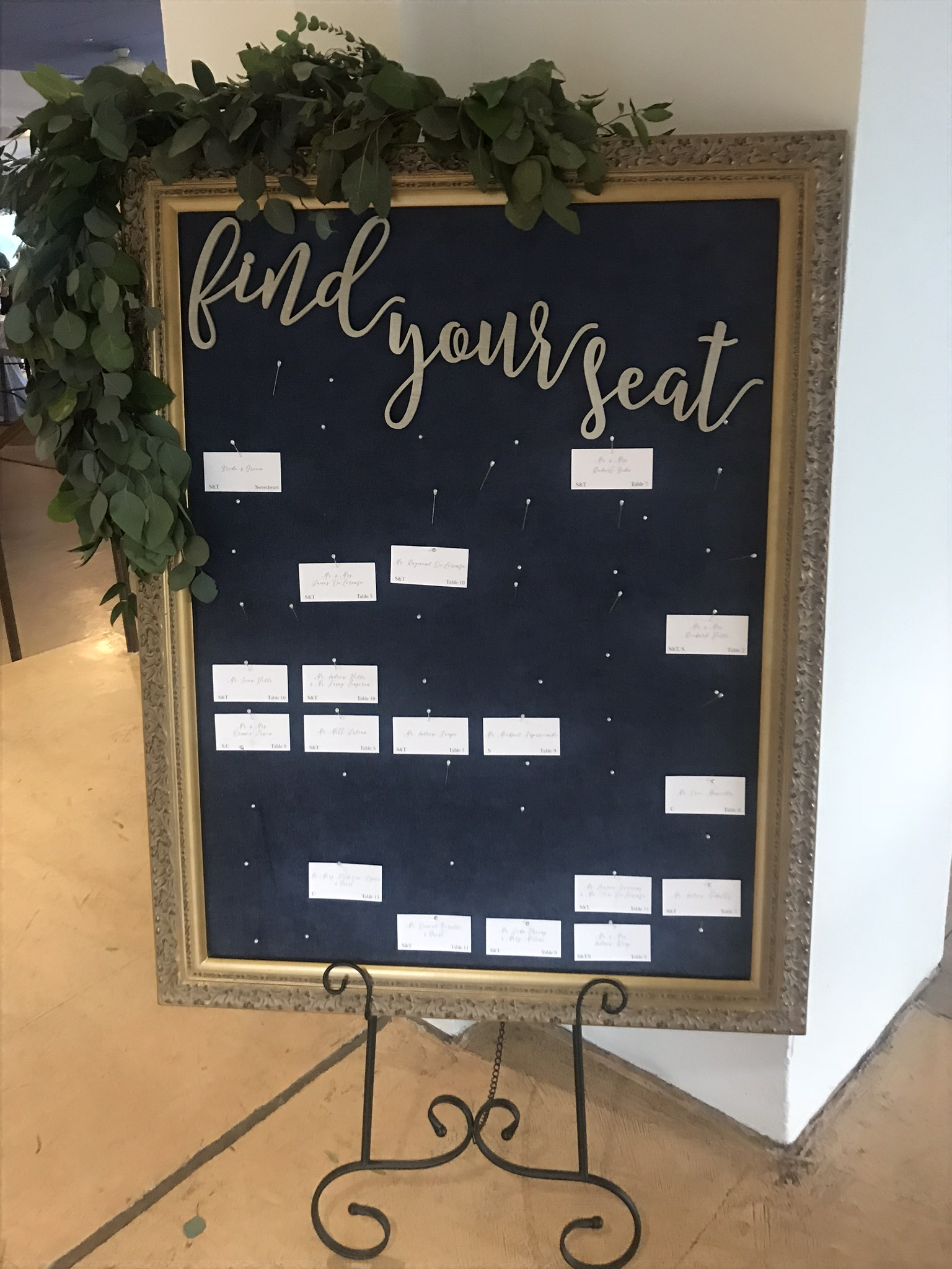 Find Your Seat Escort Card Holder Seating Chart Seating Chart Display Escort Card Display Extra Large Gold Picture Frame Wedding Decoration Bravobride