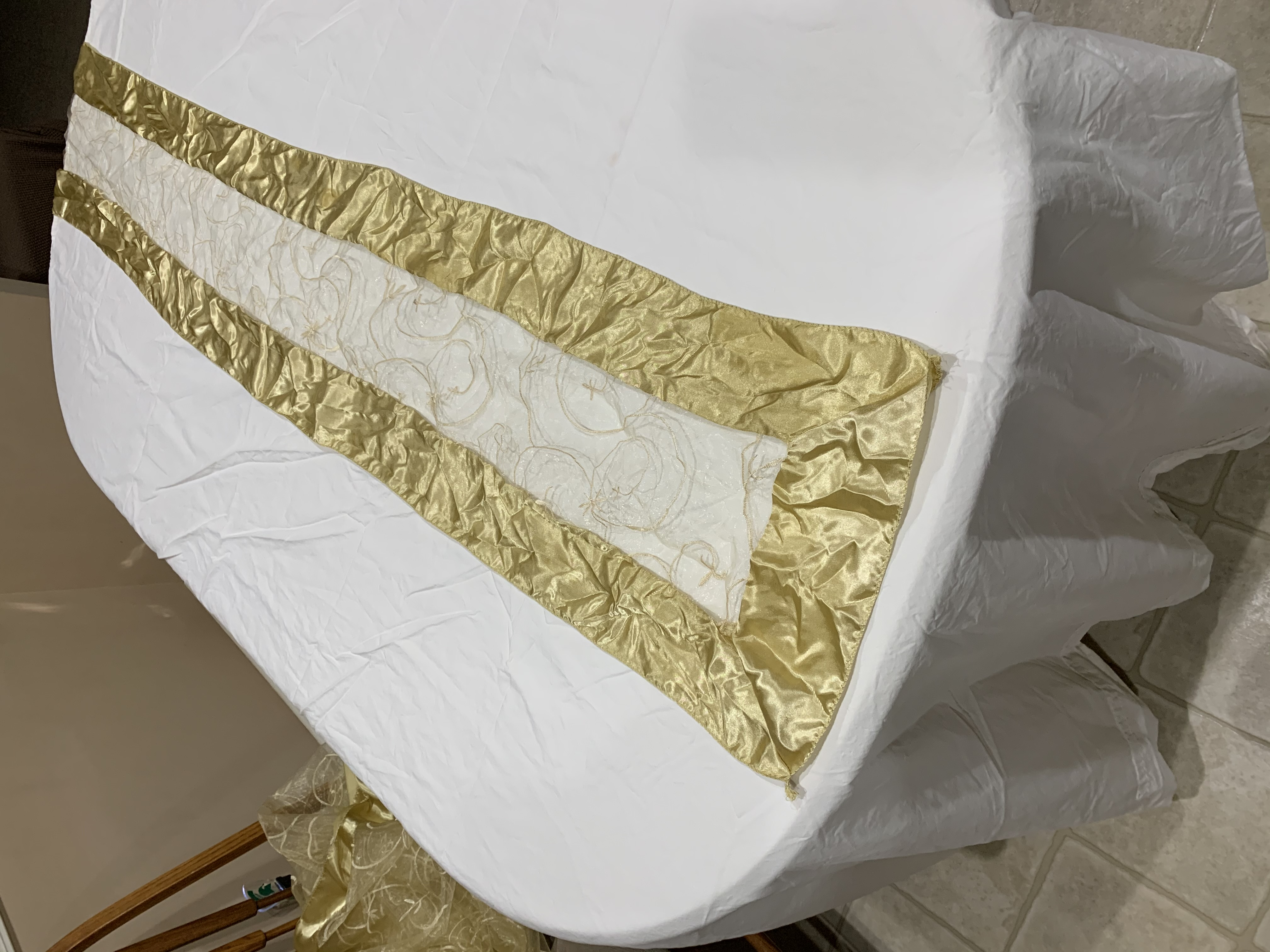 Champagne / Gold Table Overlays & Runners