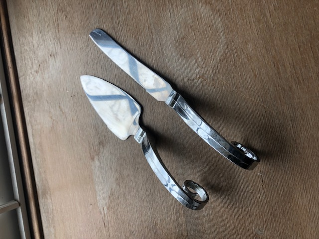Swirl Knife And Cake Server Set