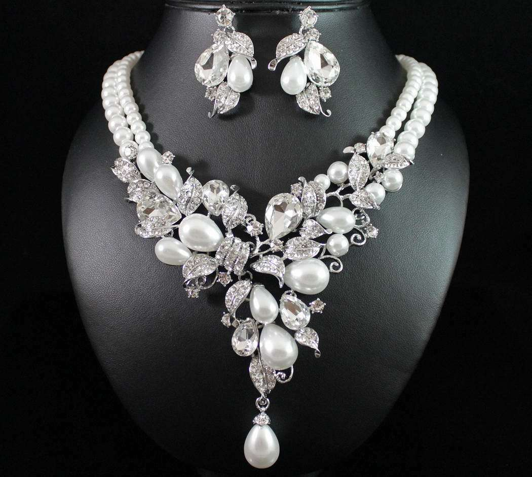 New Austrian Clear Crystal Rhinestone Pearl Necklace Earring Set