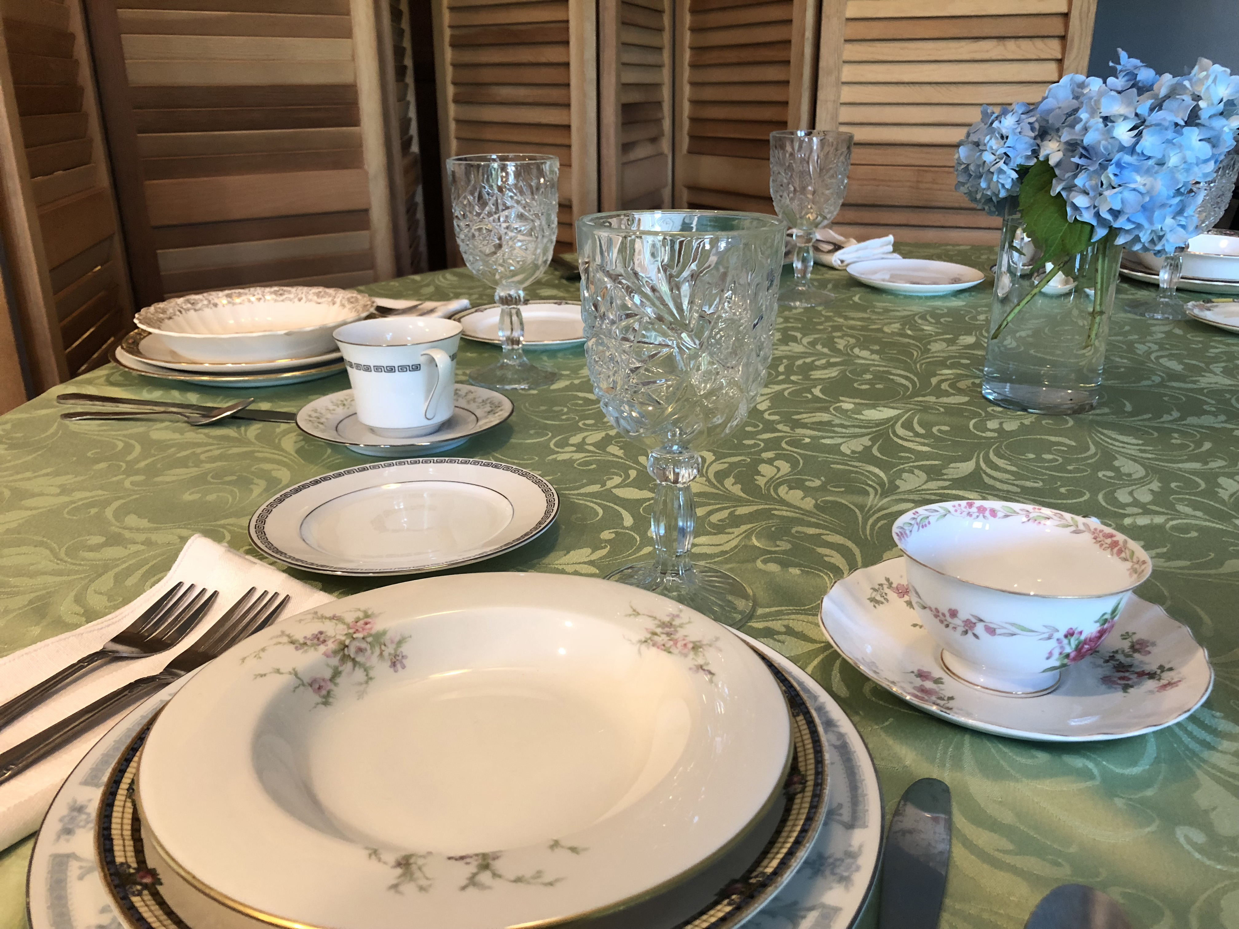 Mixed China - 11 Pieces, Service For 120