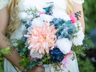 Wedding Bouquet With 4 Bridesmaid Bouquets