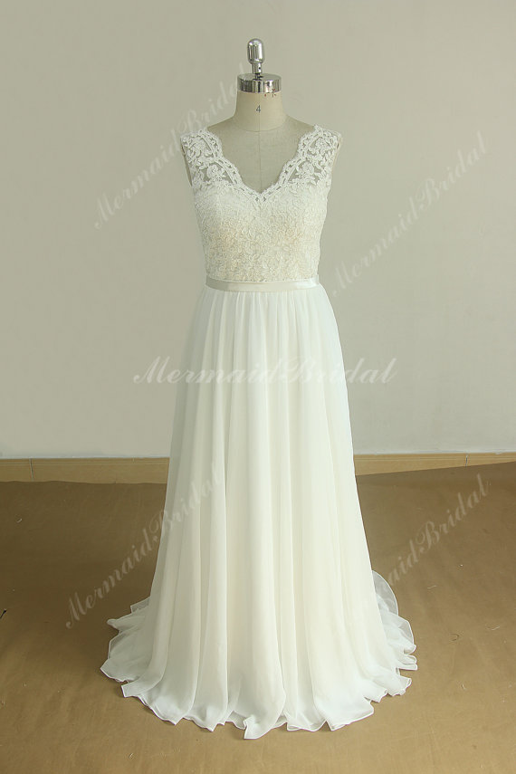 - Never Worn Beautiful Lace And Tulle Wedding Dress