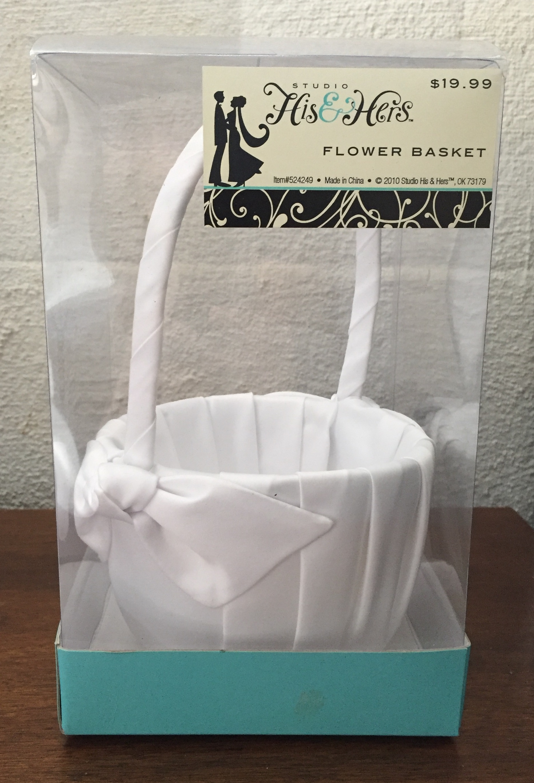 White Flower Basket With Bows