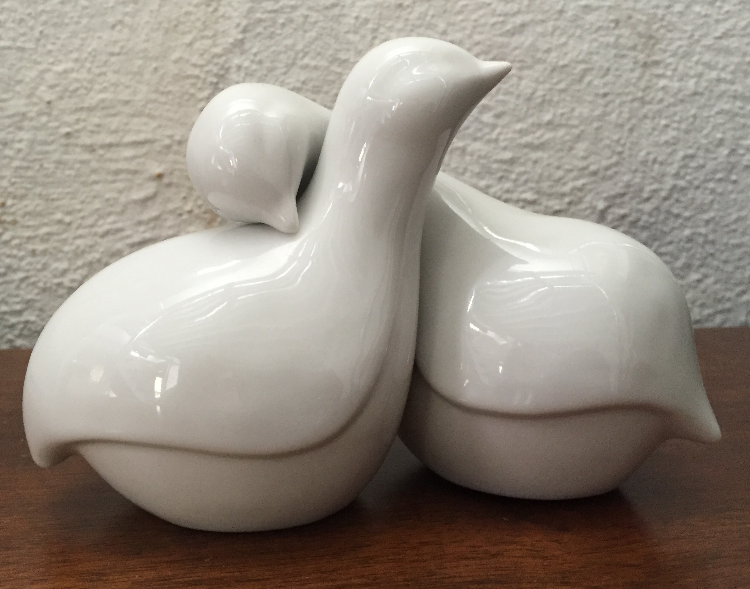Ceramic Intertwining Lovebirds/doves