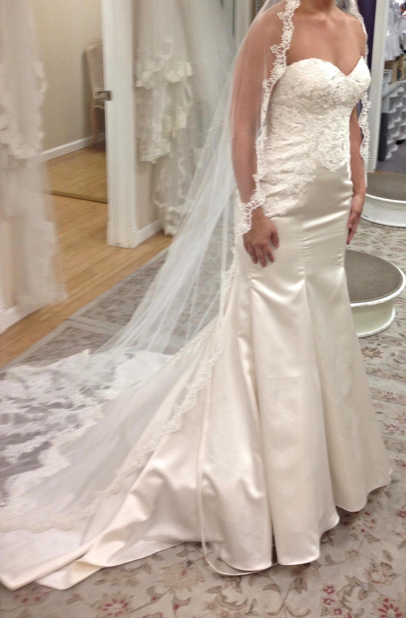 Stella York 6236 | Size: 8 | Bridal Gown | BravoBride