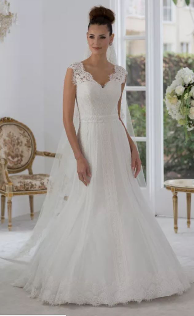 Venus - Wedding Dress - Lace, Modest